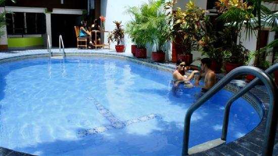 Amazon Apart Hotel: Piscina