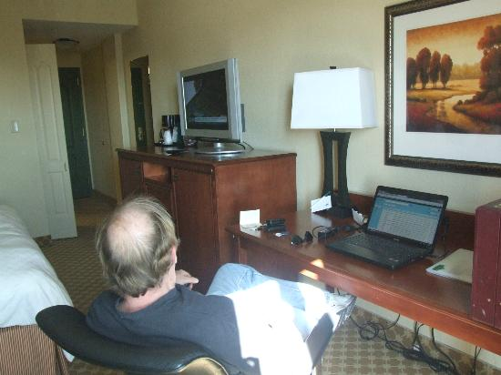 Comfort Inn & Suites: The full array of basic cable TV channels and a comfy desk chair for surfing the net are include