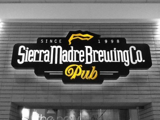Sierra Madre Brewing Co.: Sucursal Galerias Monterrey