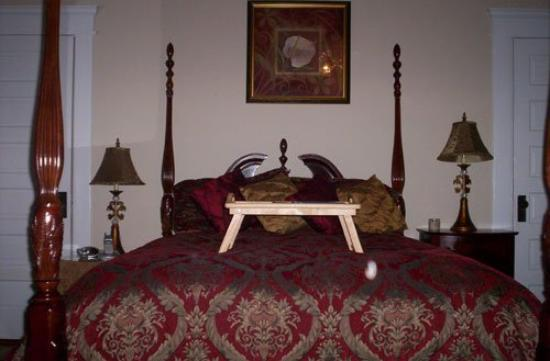 Southern Elegance Bed and Breakfast: Venetian