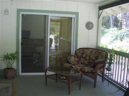 The Ohia House: Exterior Porch