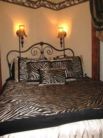Heart of the Hills Inn & Cottage: Guest Room
