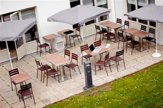 Campanile Dreux: Terrace