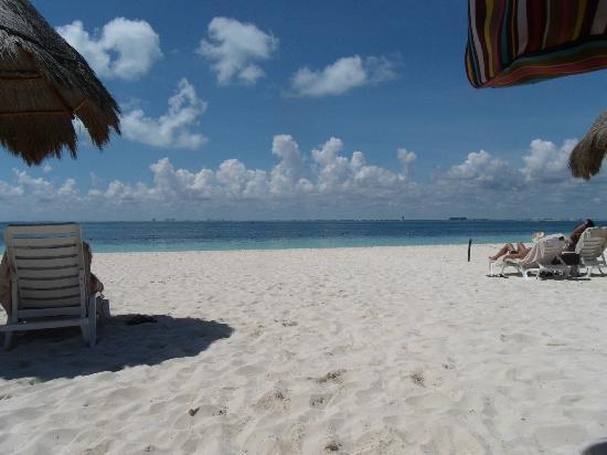 พริวิเลจอลูซ: beach