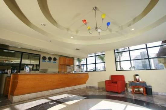 Brisas del Mar Hotel: Lobby