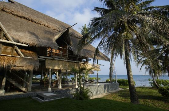 Nikoi Island: Beach house