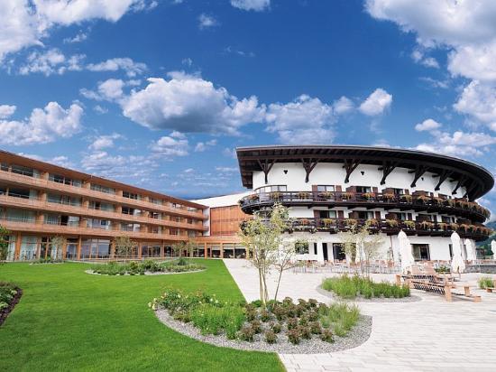 Hirschegg, Áustria: Ifen Hotel Summer Exterior
