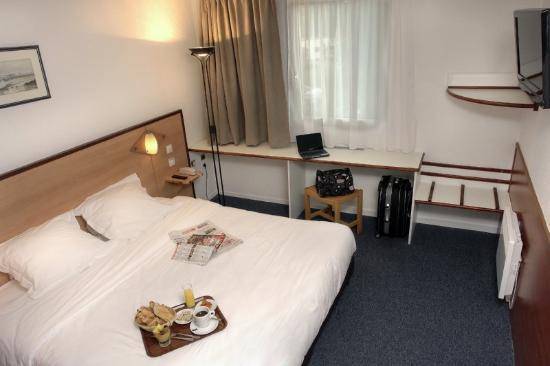Brit Hotel Brest Le Relecq-Kerhuon : Guest Room