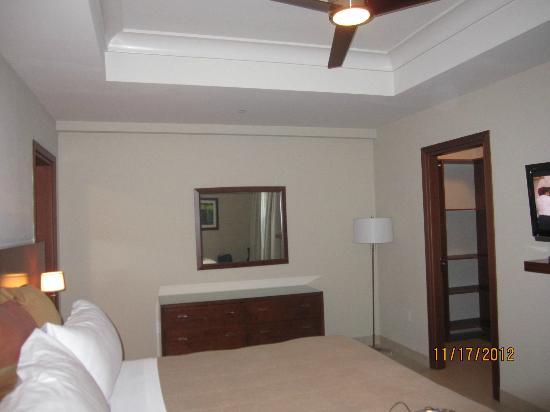 Blue Haven Resort: Condo room