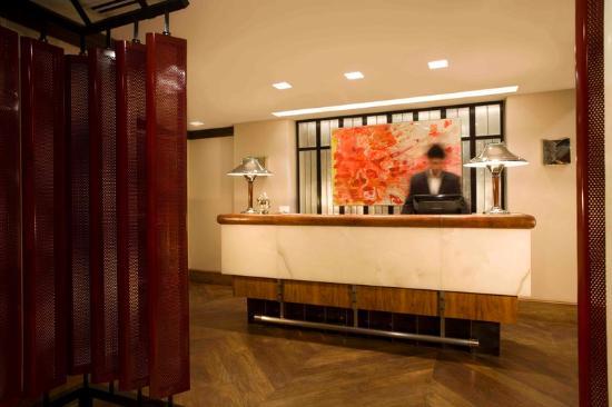Palermitano Hotel: Front Desk