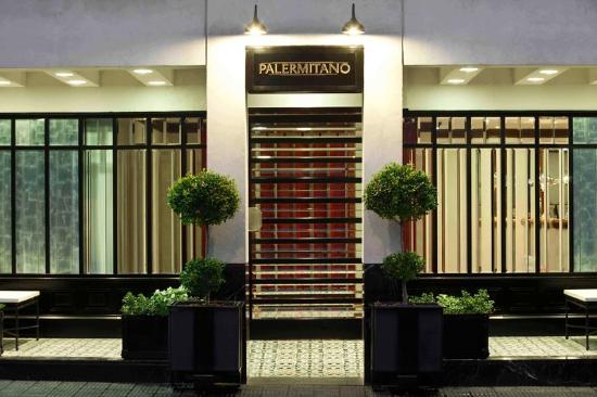 باليرميتانو: Exterior View