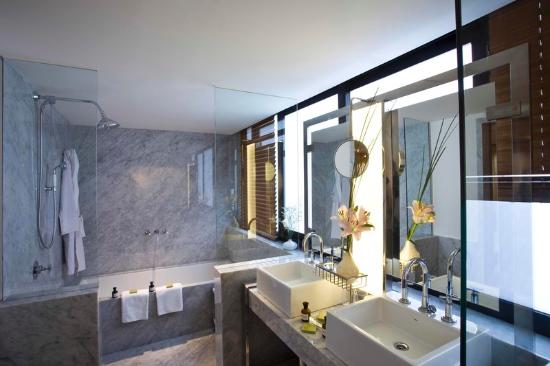 Palermitano Hotel: Suite Bathroom