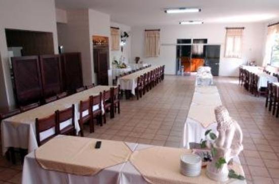 Dinastya Hotel: Restaurant