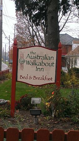 The Australian Walkabout Inn Bed & Breakfast: front sign