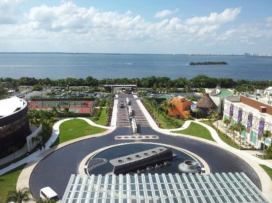 Hard Rock Hotel Cancun: Lagoon View 