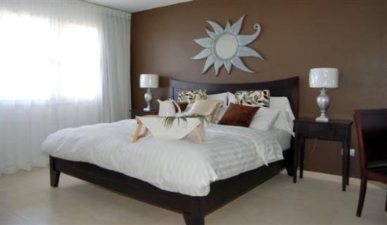 The Strand Curacao: Master Bedroom