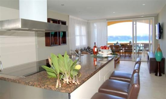 The Strand Curacao: Kitchen To Living Room
