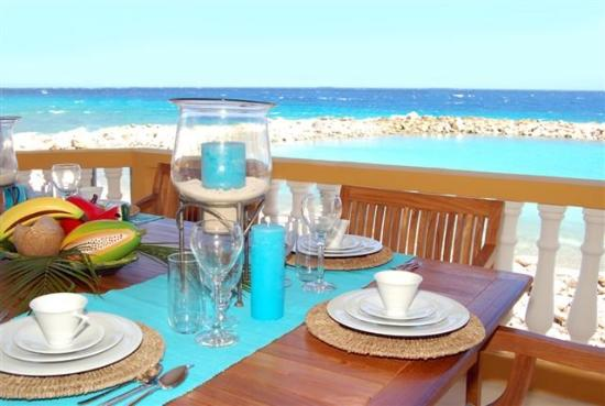 The Strand Curacao: Breakfast with the best view of teh Island