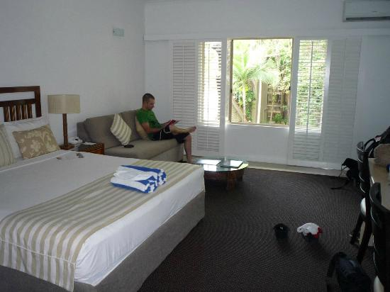 Ramada Resort Port Douglas: Our room, which over looked the pool and the al fresco dinning area