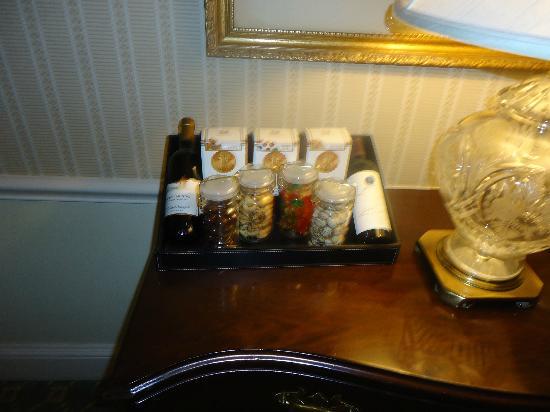 Waldorf Astoria New York: The Mini Bar/Dry