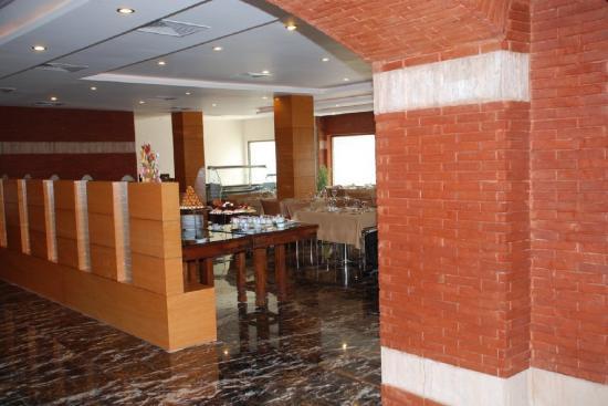 Hotel One Faisalabad: Restaurant