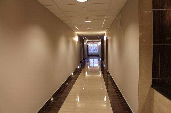 Stars Inn and Suites: hallway