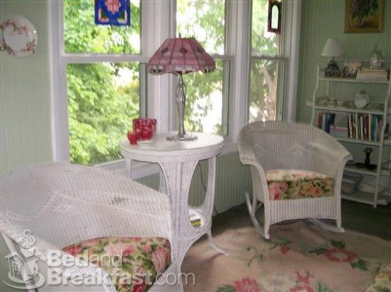 Isadora's Bed and Breakfast: West Bend Isadorasbedandbreakfast Lodging