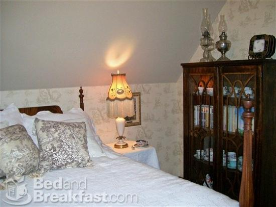 Isadora's Bed and Breakfast: West Bend Wi Inn Isadorasbedandbreakfast