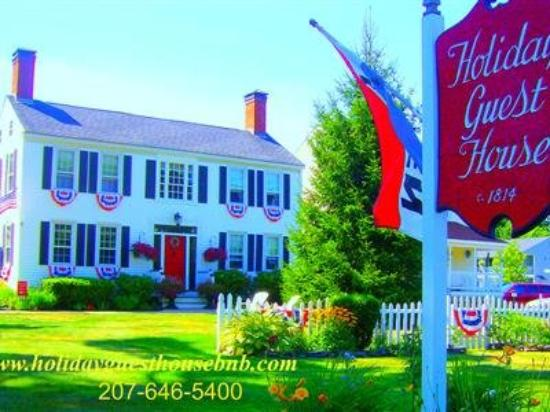 Holiday Guest House Bed & Breakfast: Summer