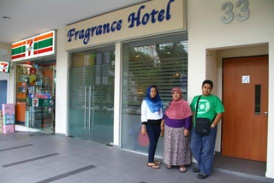 Fragrance Hotel - Bugis: Depan hotel Hotel