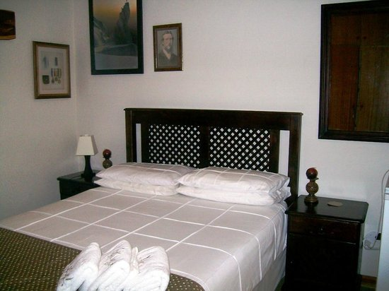 Greensleeves Guesthouse Harrismith: Bedroom in house