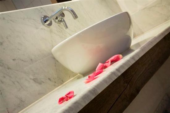 Hotel Schwanefeld: Bathroom View