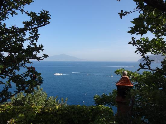 Hotel Miramare: Vesuvius in the background