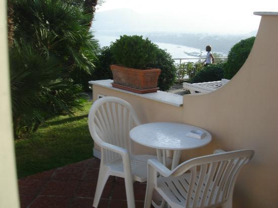 Hotel Residence Miramare: Happy Hour table and chairs outside the room