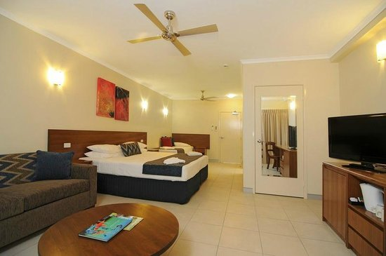 Cairns Queenslander Hotel and Apartments: Deluxe Hotel Room ( Jasmine)