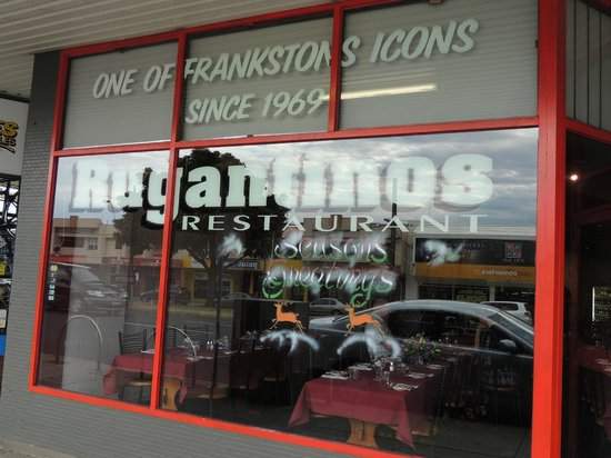 Rugantino's Restaurant: Front Window