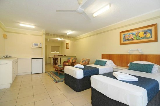 Cairns Queenslander Hotel and Apartments: Standard Suite - (Hibiscus)