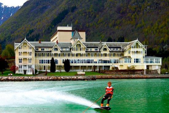 Kviknes Hotel: Activities