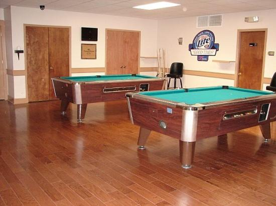 Columbus Inn & Suites: Pool Tables