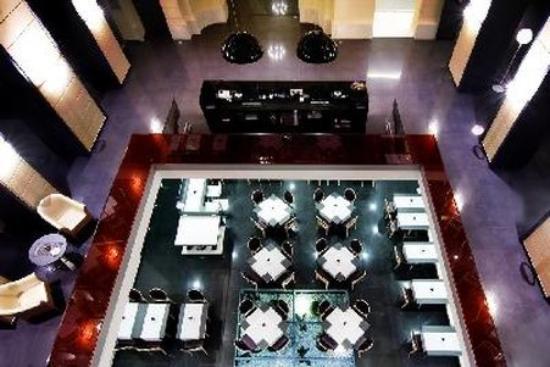 Hotel Palazzo Zichy: Lobby View
