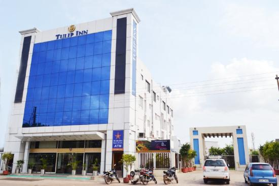 Hotel Tulip Inn: Front