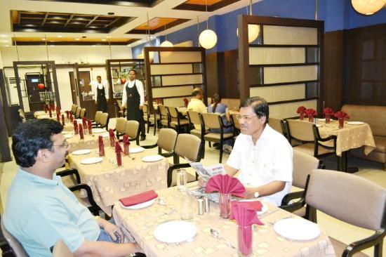 Hotel Tulip Inn: Restaurant