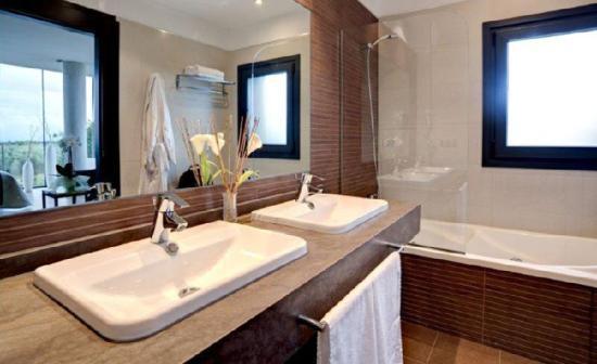 Hotel Las Terrazas: BATHTROOM