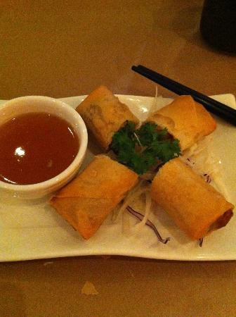Ling's Cuisine : Spring rolls
