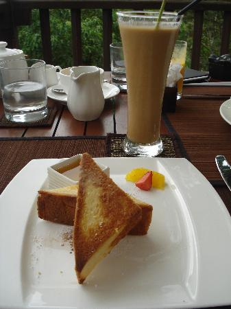 Kayumanis Ubud Private Villa & Spa: My favorite Cinnamon Toast.. *nyuum*