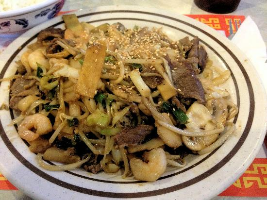 Ton's Mongolian Grill BBQ: Plenty of fresh ingredients are a strong attraction at Ton's.
