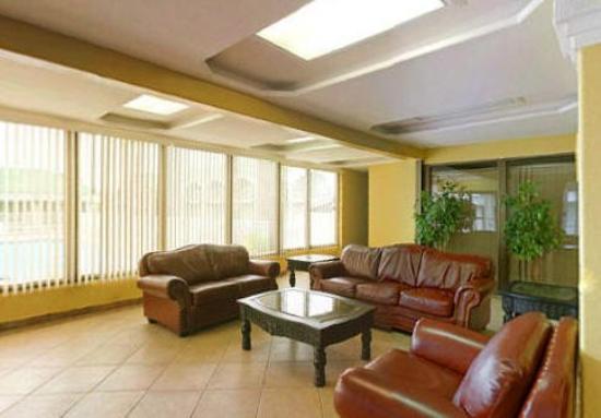 Del Rio Executive Inn: Lobby