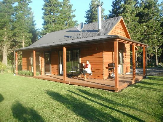 Woodbank Park Cottages: The beautiful cedar cottage