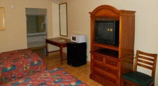 Plaza Inn & Suites: Two Bed