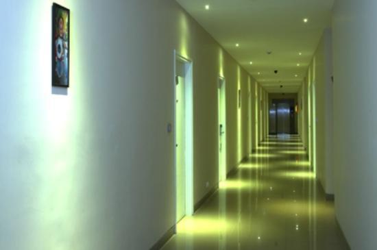 Mango Hotels, Agra - Sikandra: Corridor